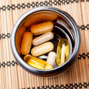 7 Supplements to Cut Sugar Cravings