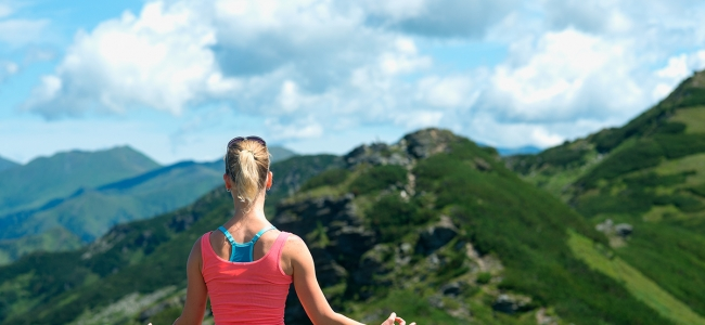 5 Yoga Moves for Hikers